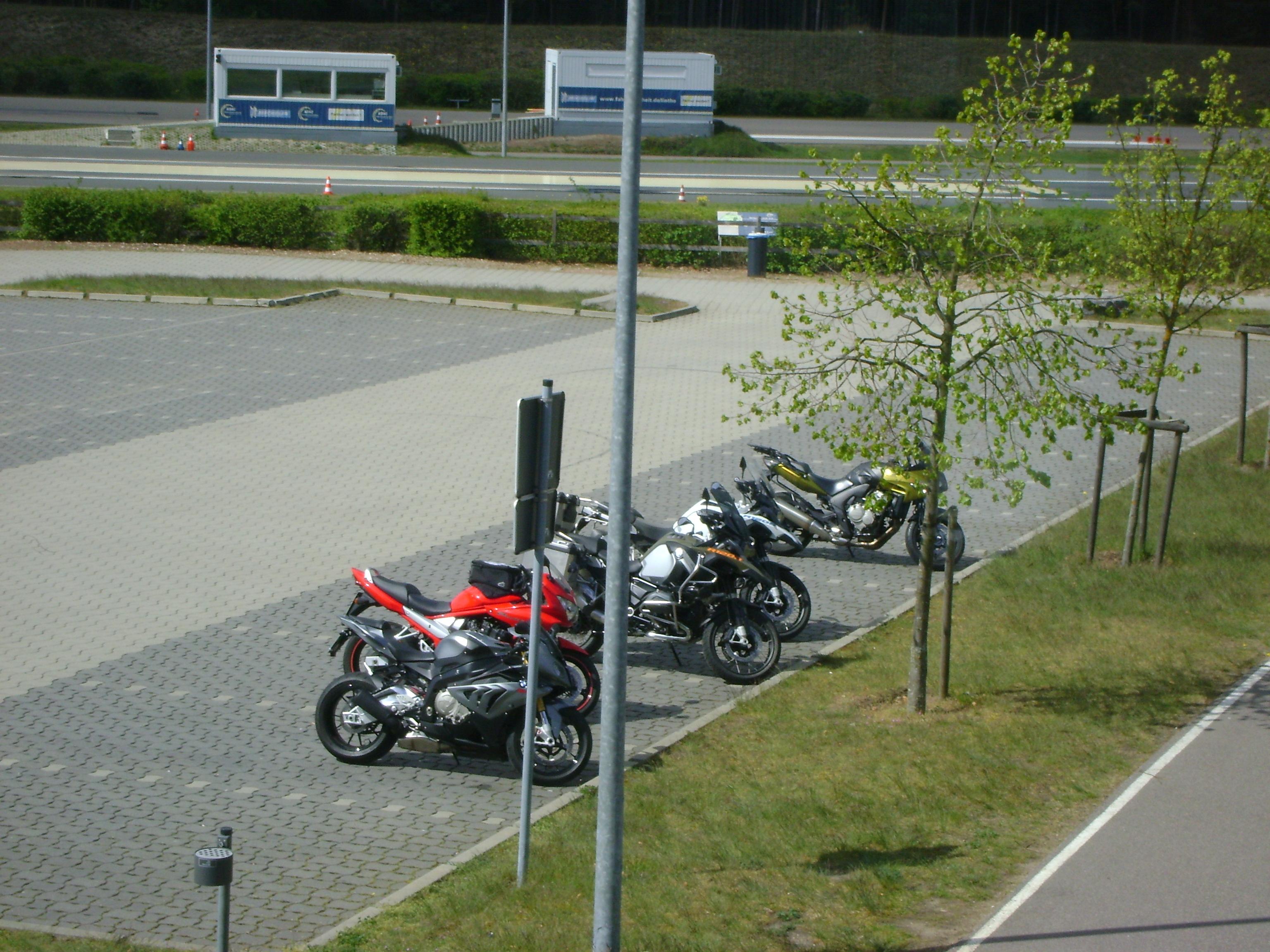 Parkplatz auf dem ADAC Gelände in Linthe